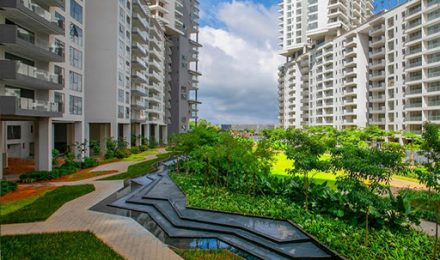 Embassy Lake Terraces – Luxury Sky Condominiums